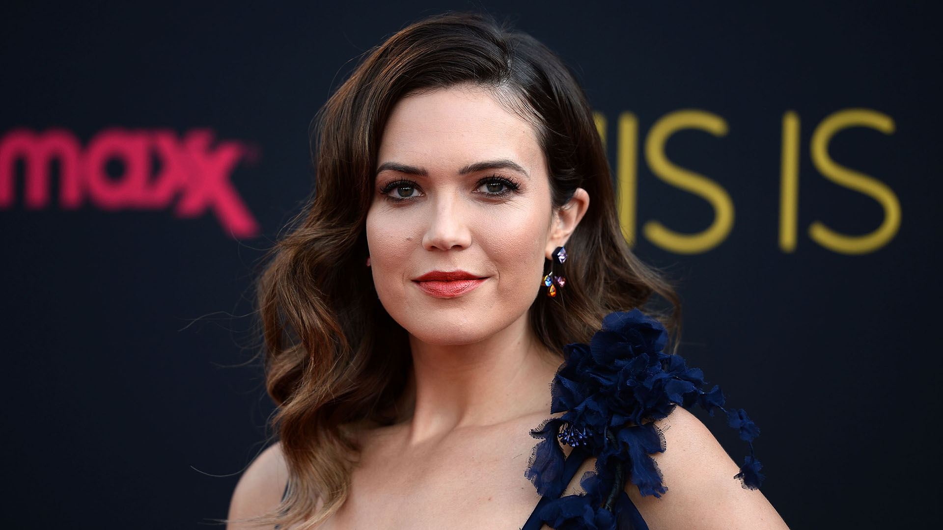 Mandy Moore Rubs Cannabis Oil on Her Feet So They Don't Hurt When She Wears Heels